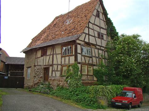casa medievale modelo 3d de casa estilo enxaimel branco no preto