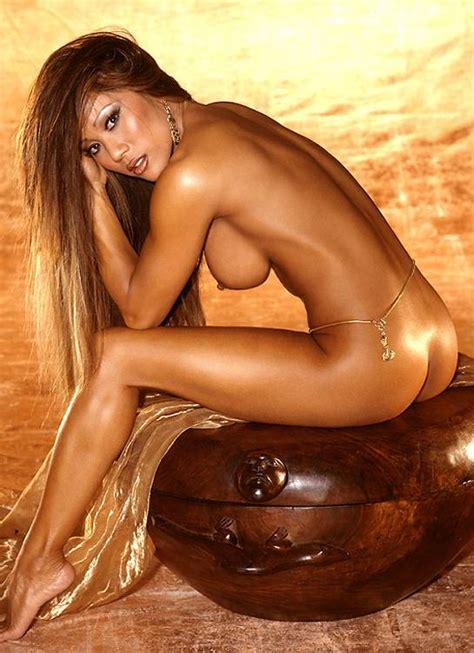 Naked Kiana Tom  Added            by jamesbond