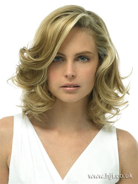 hairopia 32 curly medium length blond hair to chin blonde wave hairstyles 32 images the girls stuff