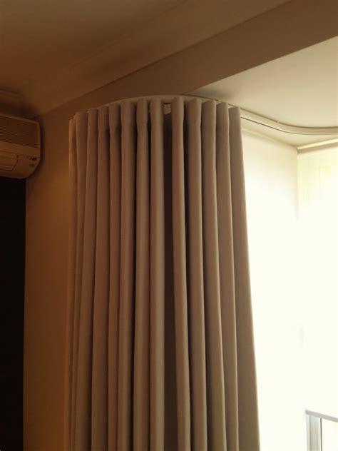 curtain tracks bay window wave curtains on bay london 020 8361 8339 window