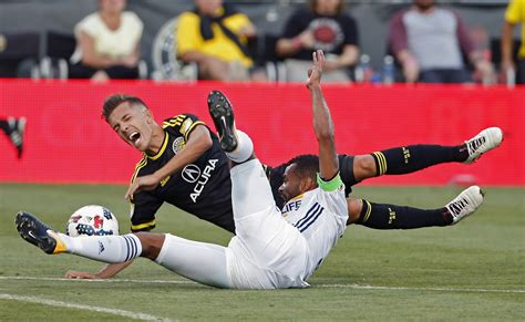 columbus dispatch sports section crew sc 2 galaxy 0 it s a win even after review