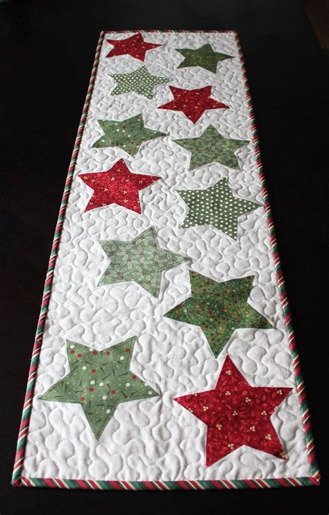 25 best ideas about christmas table runners on pinterest