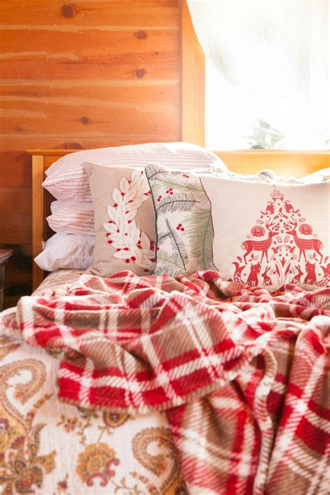rustic log cabin bedroom 2017 2018 best cars reviews rustic log home christmas bedroom decor creative cain cabin