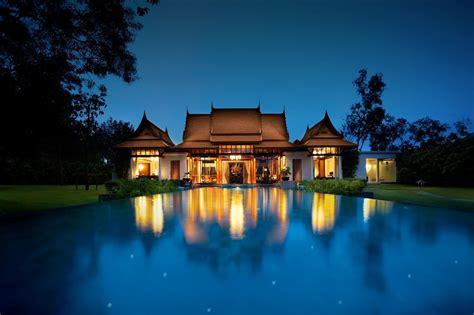 world trip  banyan tree  hotel specialist