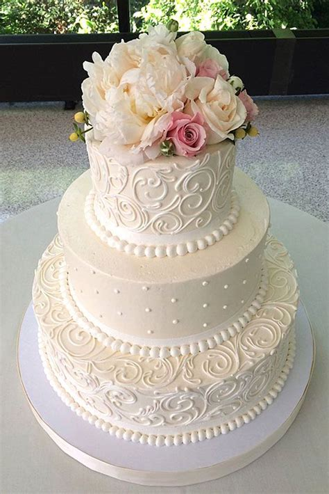 Big Wedding Cakes Pictures by Best 25 Traditional Wedding Cakes Ideas On