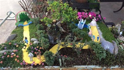 Emerald City Garden by 15 Best Images About Aa Wizard Of Oz Miniature Garden On