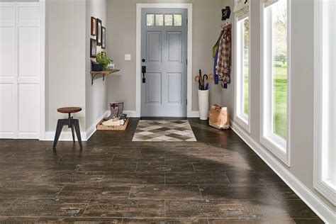 Foyer Flooring Guide   Armstrong Flooring Residential