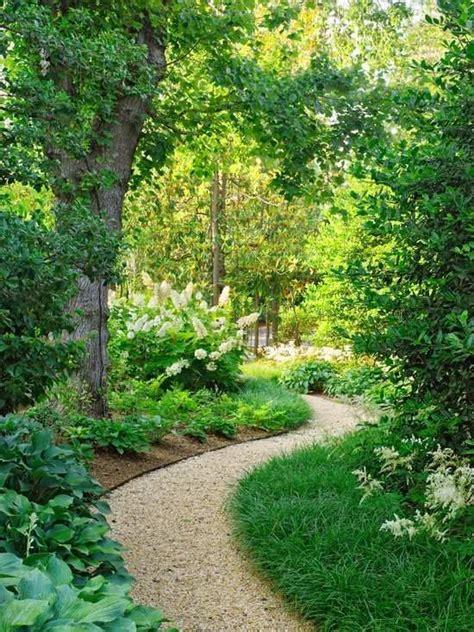 Weg Garten Anlegen by Die Besten 25 Kiesweg Ideen Auf Kies Landschaftsbau Pfade Und Vor Gehweg