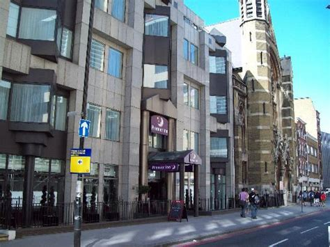 london tower hill premier inn church next to hotel picture of premier inn london city