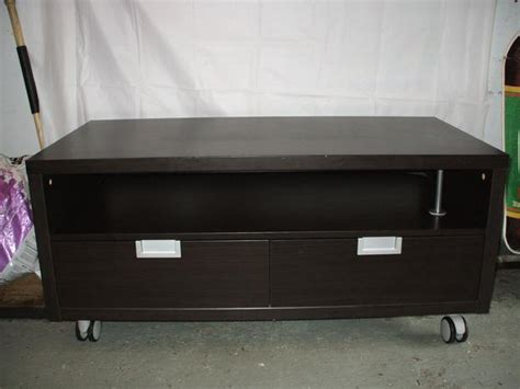 tv stand ikea 4 wheels 2drawers great condition 75 gloucester ottawa