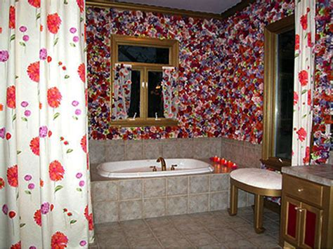 trading spaces flower bathroom 6 of the scariest trading spaces makeovers