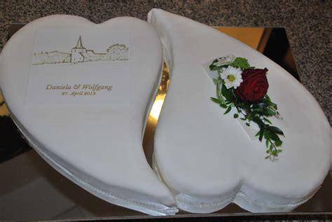 Hochzeitstorte 2 Herzen by Hochzeitstorte Zwei Herzen Alle Guten Ideen 252 Ber Die Ehe