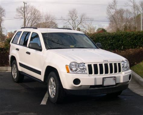 jeep models 2005 file 2005 jeep grand cherokee front jpg wikimedia commons