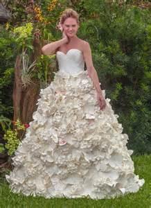 paper wedding dress stunning toilet paper wedding dress wins 10 000 prize
