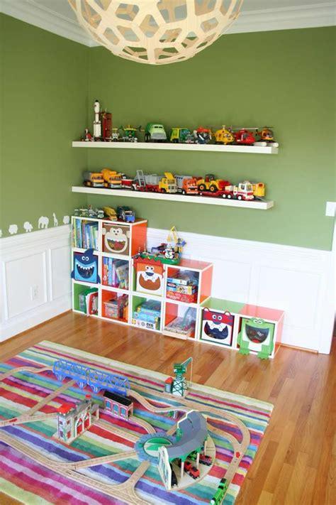 rangement salle de jeux enfant  idees astucieuses