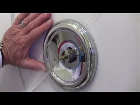 Fixing Single Handle Shower Faucet by How To Repair A Leaky Single Lever Moen Bath Or Shower