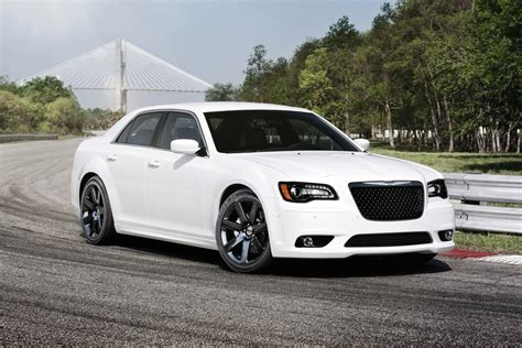 chrysler 300c str8 chrysler 300c srt8 review auto express