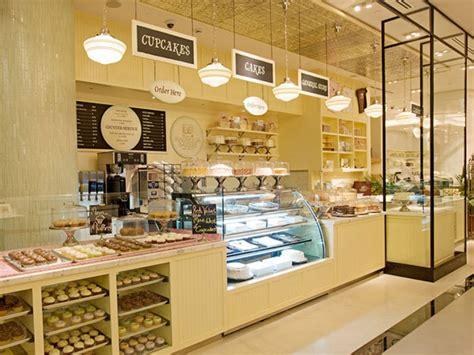 UAE Dubai Mall, Bloomingdale's Home Store Magnolia Bakery