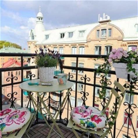 arredare una terrazza con piante affordable arredare il balcone piccolo senza rinunciare al