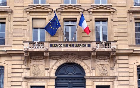 bitcoin questrade invest in bitcoin at your own risk warns french central