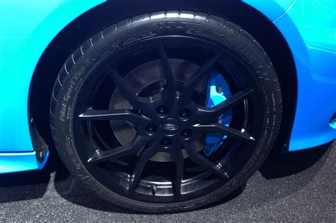 Ford Focus Rs Series Black And White Wheels 6 cool things about the ford focus rs