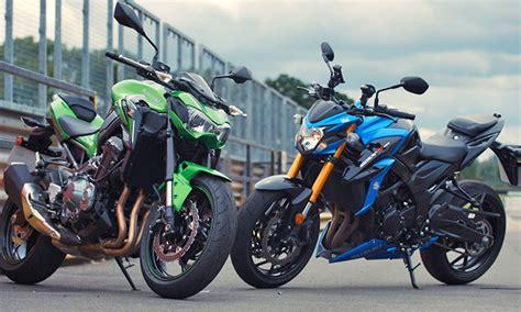 Kawasaki And Suzuki Bike Chooser Suzuki Gsx S750 Vs Kawasaki Z900 Uk Review