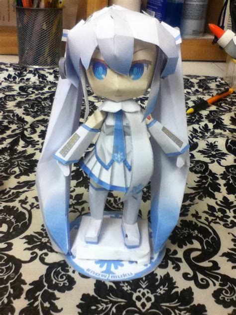 Snow Miku Papercraft - papercraft snow miku by jazzy1lol on deviantart