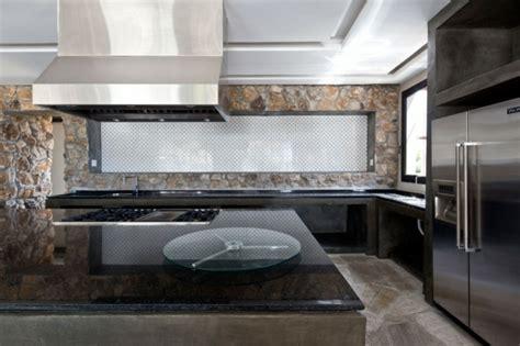 schwarzer küchentheke naturstein in der k 252 che steinoptik f 252 r kreative