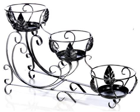 vasi in ferro antica soffitta arreda con stile