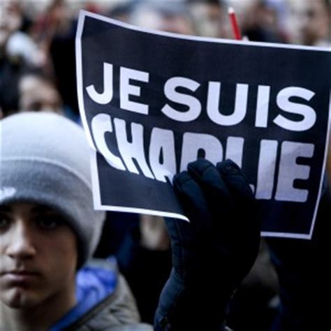 consolato francese torino strage di parigi in centinaia al consolato francese di