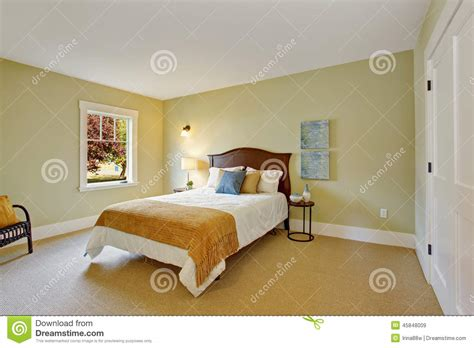 schlafzimmer mit weißer decke wohnzimmer farbe