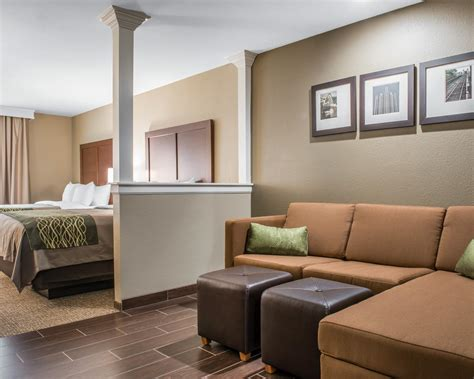 comfort suites pittsburgh comfort inn suites in pittsburgh pa 15216