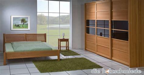 schlafzimmerschrank mit bett bett lara in buche massiv bei der schreinerei loferer in