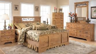 classic rustic pine bedroom furniture design and decor ideas