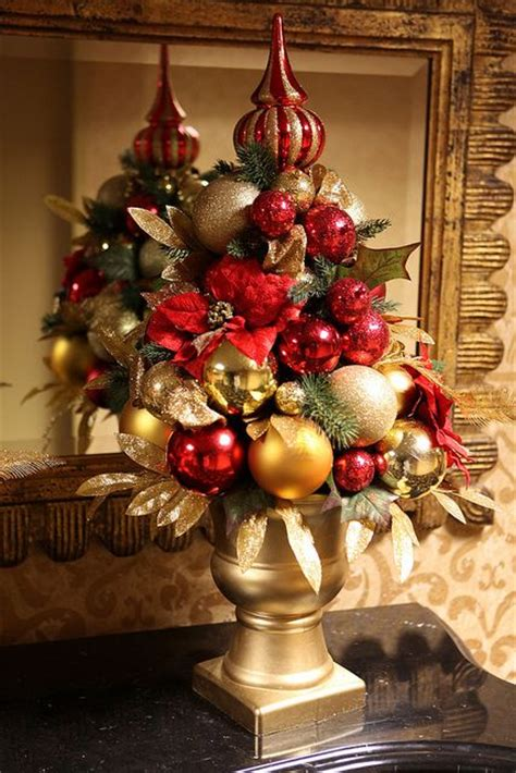 christmas decor images 32 amazing red and gold christmas d 233 cor ideas digsdigs