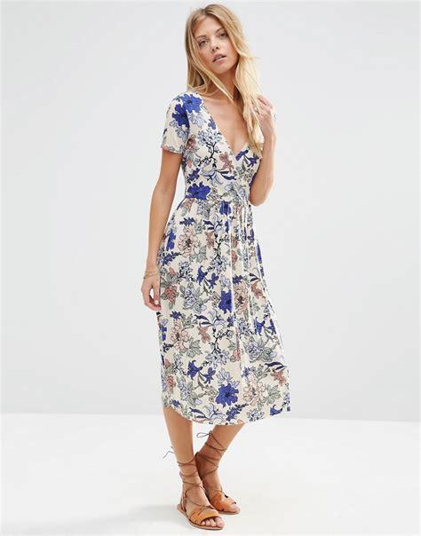 8 Pretty Wrap Dresses pretty wrap dresses for flings style and cheek