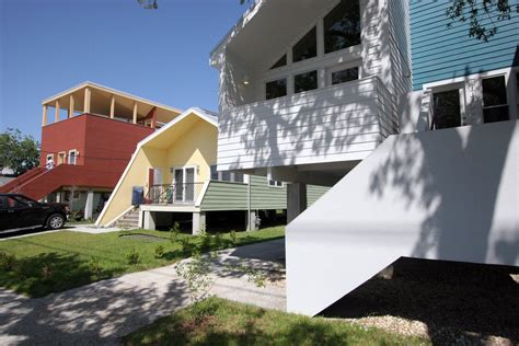 Brad Pitts No Housing Efforts Lower 9th Ward In The Pink by 70 Homes And Counting As Brad Pitt S Make It Right Project