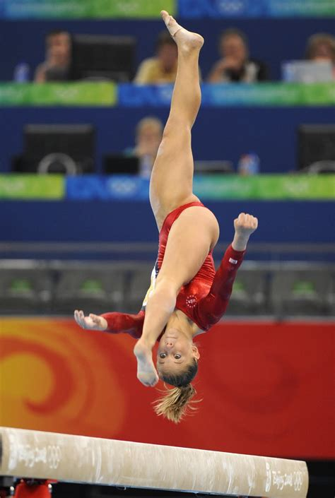 gymnastic oop shawn johnson sexiest girls next door candid vidcaps celebs and models