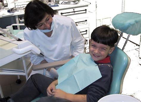 giochi di punture al sedere odontoiatria pediatrica a modena dentista per bambini a