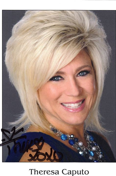 does long island medium have a different hair style what type of hairstyle does theresa caputo have