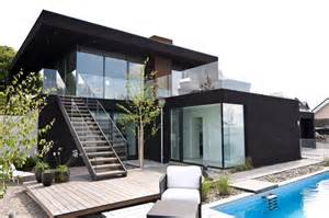Modern Mansion Beach House Architecture by Nilsson Villa Modern Beach House With Black And White