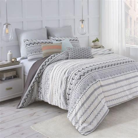 black and white aztec comforter best 25 aztec bedding ideas on pinterest aztec bedroom