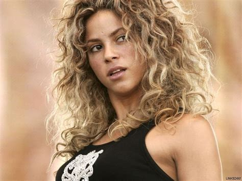 shakira s hair is amazing hair pinterest shakira la tortura shakira isabel mebarac ripoll