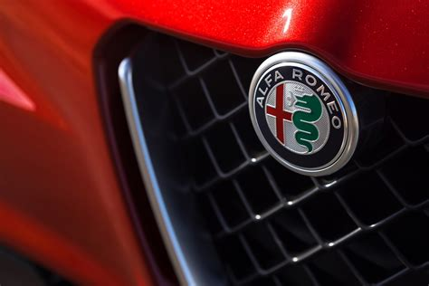 report alfa romeo stelvio suv to debut at 2016 l a auto