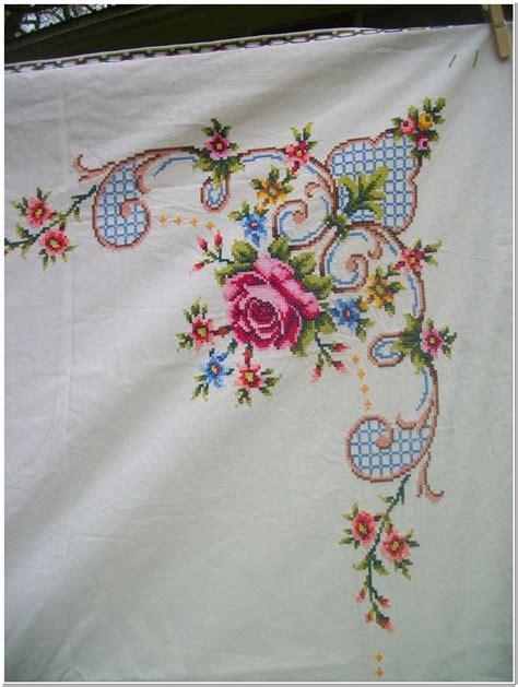 contoh gambar motif bordir taplak meja cantik terbaru