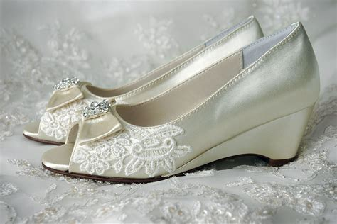 shoes for flower wedding shoes flower shoes wedge shoes by pink2blue