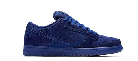 Topi Nike Semipremium nike sb dunk low premium quot once in a blue moon quot green label