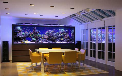 elegant chinese modern living room with aquarium and acuarios grandes para el interior