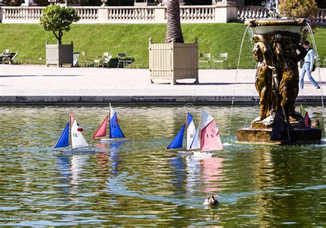 sailboats jardin du luxembourg toy sailboats on pond in luxembourg garden paris