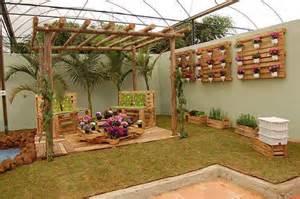 d 233 co jardin avec palettes bois